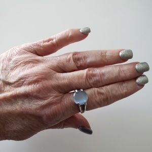 VINTAGE  ☆ Silver & Stone Ring, Size 7.5, PRETTY!